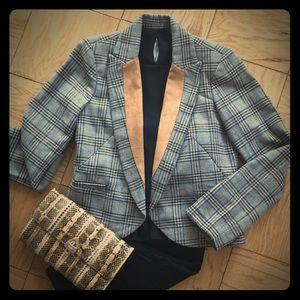 Fitted plaid blazer